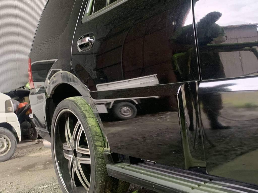 福津市のY様リンカーンナビゲーター板金塗装5